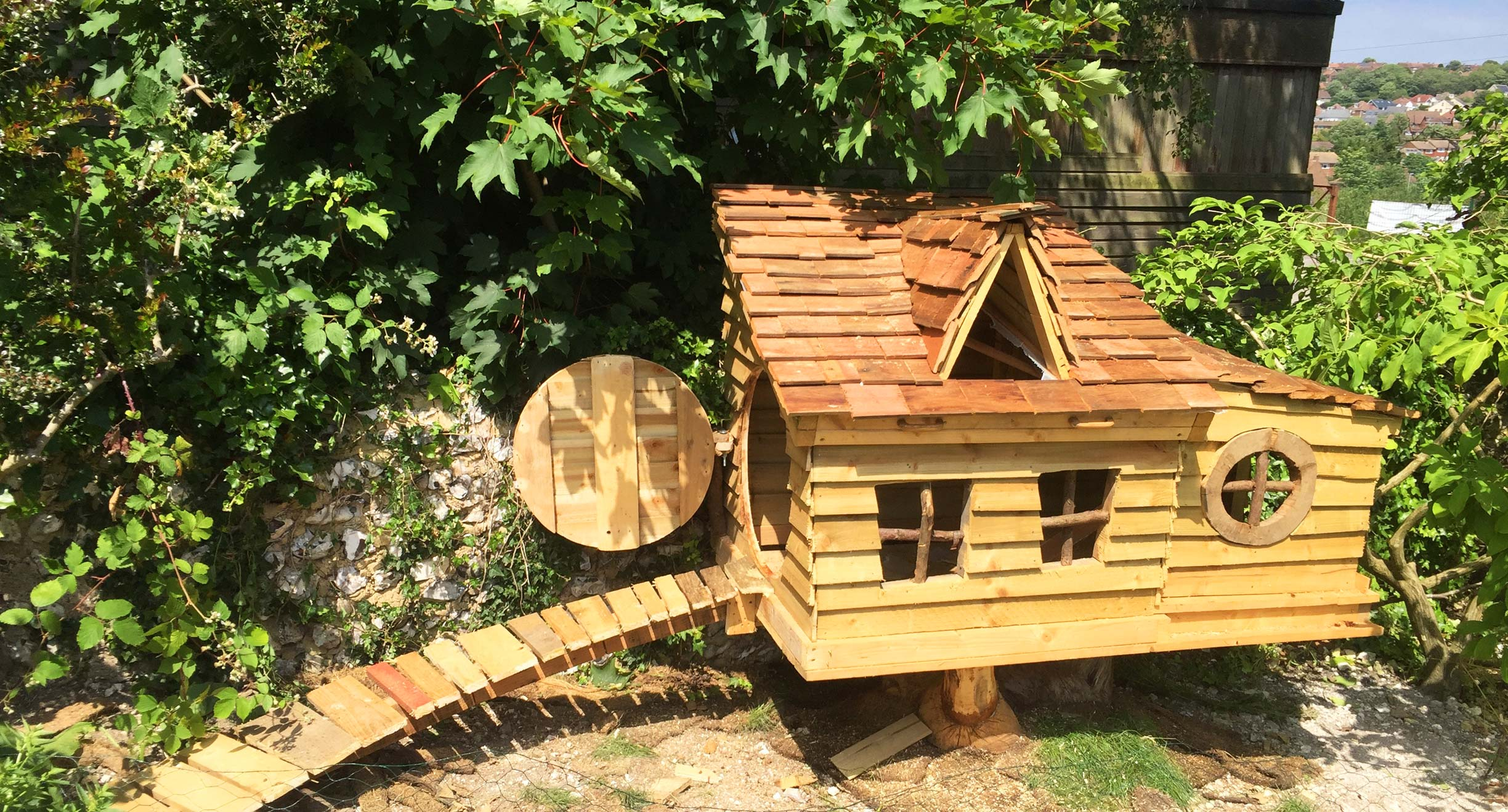 Gardening services in brighton - chicken house and chicken run